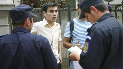 Două licee din Deva cer intervenţia Poliţiei Locale din cauza absenţelor elevilor