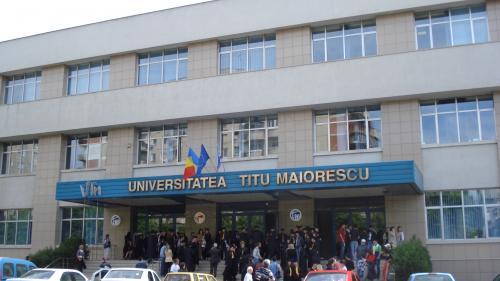 """Reprezentanții Universității Titu Maiorescu acuză Universitatea """"Carol Davila"""" că aduce calomnii grave învăţământului privat acreditat"""