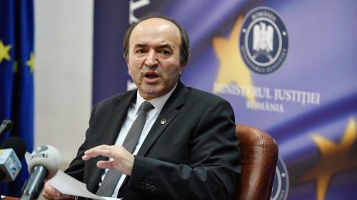 Toader: miniștrii nu trebuie anchetați pentru HG-uri
