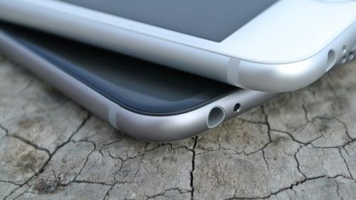 Pentru asamblarea telefoanelor iPhone X, chinezii s-au folosit de elevi!
