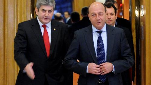 Traian Băsescu propune desființarea, prin lege, a Academiei lui Gabriel Oprea