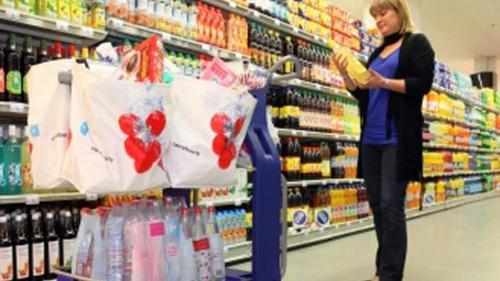 Polonia interzice progresiv comerţul în zilele de duminică
