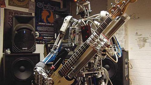 """Roboţi uriaşi şi castele """"cyberpunk"""" futuriste, într-un parc tematic dedicat realităţii virtuale, în China"""