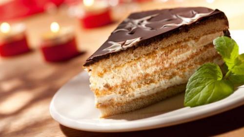 Reteta zilei: Tort cu cremă de mascarpone