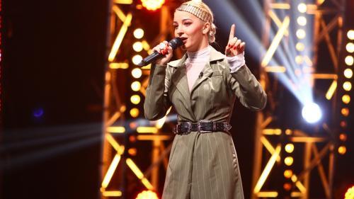 """Katerina Biehu își face singură hainele la """"X Factor"""""""
