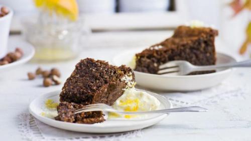 Reteta zilei: Prajitură cu ciocolată și alune