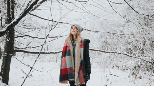 Sfaturile unei cunoscute profesoare de yoga:  Scurt ghid al stării de bine pe timpul iernii