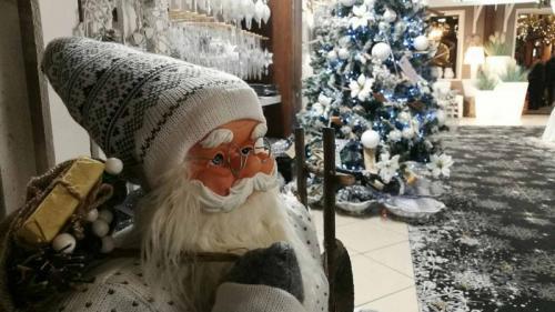 Festivalul 'Moş Crăciun vine la Excelsior', în Parcul 'Orăşelul Copiilor'