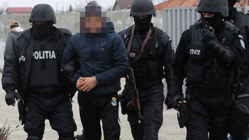 Furnizorul preferat al SRI dotează Poliția cu 8.000 de bastoane