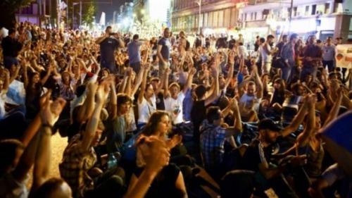 Cine controlează din umbră mișcarea #rezist. Dezvăluirile lui Paul Hitter