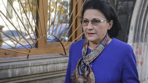 Ecaterina Andronescu, audiată la DNA în dosarul Curezătorii