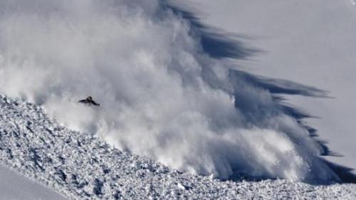 Alertă în Argeş! Risc mare de avalanşă în Făgăraş; stratul de zăpadă are peste un metru grosime