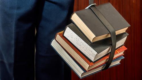 Top 10 cărți pe care să nu le ratezi până la sfârșitul anului