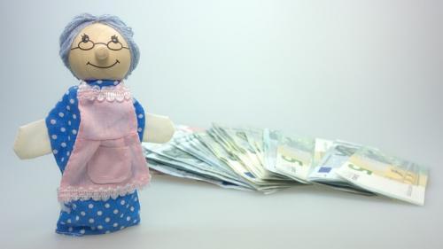 Românii au contribuit cu 7,1 miliarde de lei la pilonul II de pensii