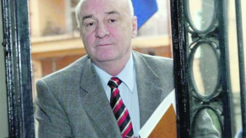 Contracte de milioane fără licitaţie pentru firma fostului senator Ion Toma