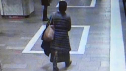 Femeia bănuită de ameninţare la metrou se află în evaluare la Spitalul Obregia