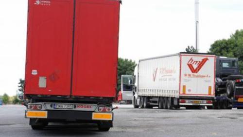 Caz misterios în Franța! Un şofer român de tir a fost găsit mort în maşină