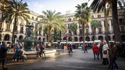 Record de turisti in Spania: Peste 77 milioane în doar 11 luni
