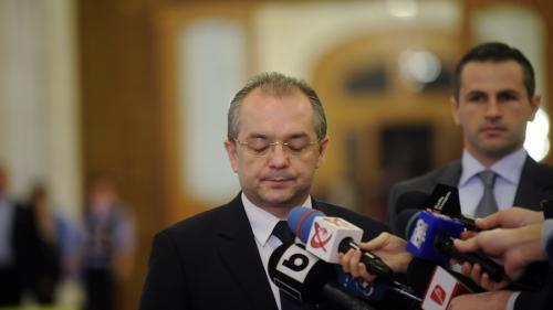 Emil Boc nu s-a prezentat la audierile de la DIICOT în dosarul medicului Mihai Lucan