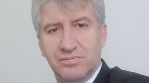 Politistul acuzat de pedofilie: Consilierul Vali Riciu neagă orice relaţie de prietenie