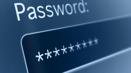 Peste jumătate din utilizatorii de internet își păstrează parolele în locuri nesigure