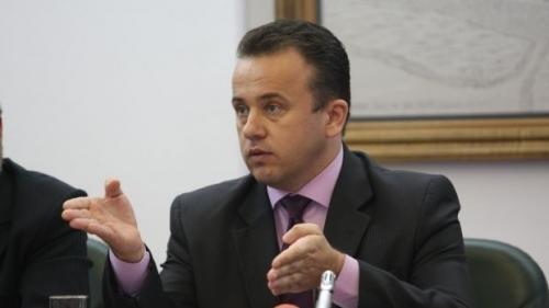 Ministrul Liviu Pop vrea o variantă de bacalaureat pentru românii de pretutindeni