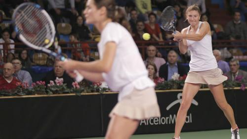 Begu, Niculescu şi Cîrstea, calificate în turul al doilea la dublu feminin