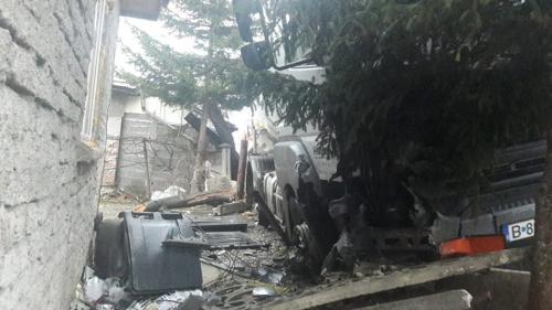 Pericol de explozie în Zărnești. Zeci de persoane, evacuate