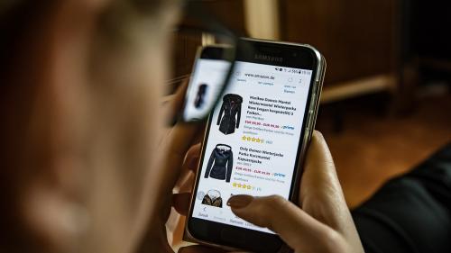 Românii sunt pe ultimul loc în UE la cumpărăturile online