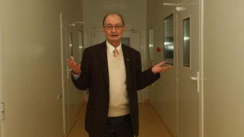 Decanul Facultăţii de Inginerie Chimică din Iași, reprezentantul României în comitetul ştiinţific al CERN