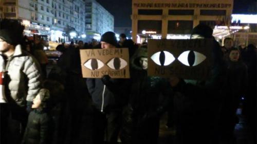 Numărul protestatarilor a ajuns la câteva mii în Cluj-Napoca, Sibiu, Iaşi şi Tmişoara