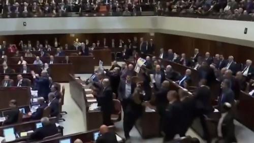 VIDEO - Bătaie între parlamentarii din Knesset în timpul discursului lui Mike Pence