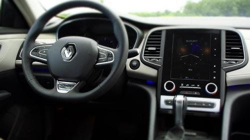 Renault vrea parteneriate cu Uber şi Amazon