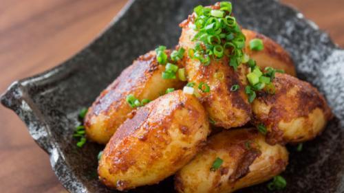 Cartofi cu sos de legume (rețetă pentru Postul Paștelui)
