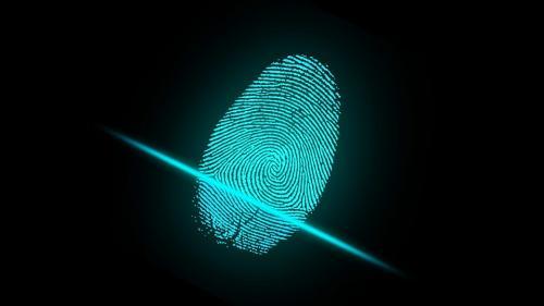 O nouă tehnologie pentru citirea amprentelor vine în ajutorul poliţiştilor din Marea Britanie