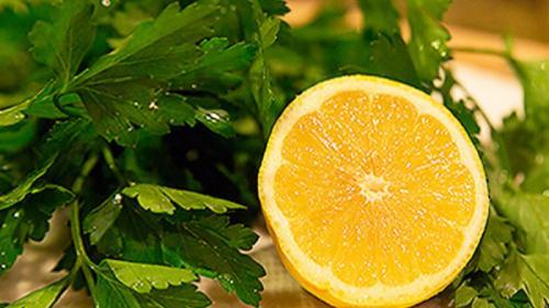 LĂMÂIE și PĂTRUNJEL – combinația perfectă, care vă transformă corpul și vă echilibrează nivelul de colesterol
