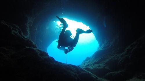 Ce au gasit cercetatorii in cea mai mare peşteră inundată!