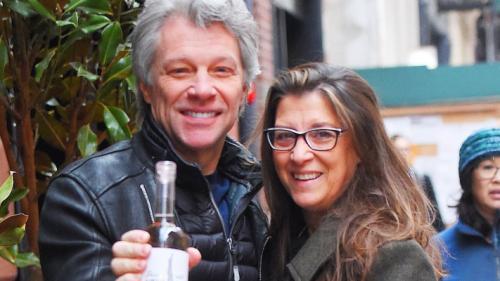 Jon Bon Jovi îşi lansează propriul brand de vinuri