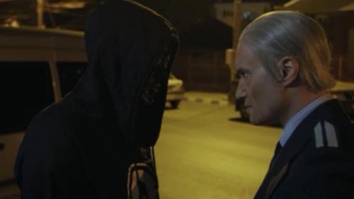 """Torţionarul Vişinescu, hotărât să-i afle secretul solistului Carla's Dreams: """"Demachiază-te!"""""""