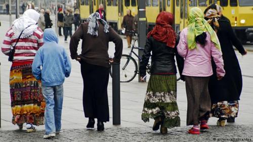 Autorităţile din Frankfurt, acuzate că încearcă să-i expulzeze din oraş pe romii fără adăpost