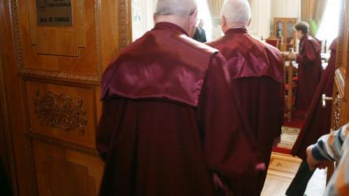 CCR respinge sesizările USR privind modificările aduse legilor Justiţiei