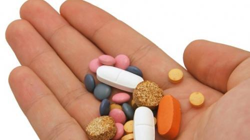 Statistici îngrijorătoare! Un român din şase ia antibiotice fără să se consulte cu medicul