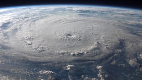 VIDEO Sute de turişti blocaţi de ciclonul Gita in Noua Zeelanda