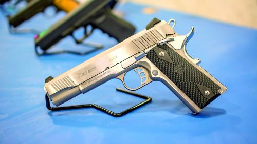 Trump face prima concesie contra armelor