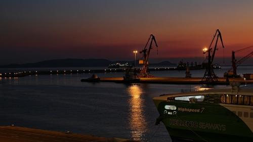 Grecia a vandut portul Salonic pentru 232 milioane de euro