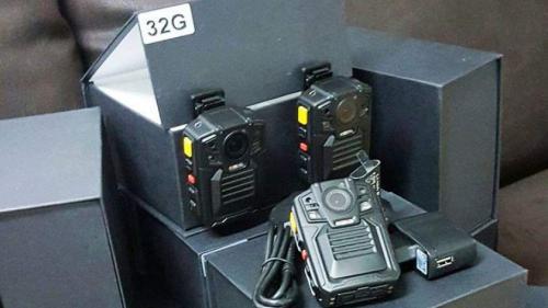 În Capitală, poliţiştii vor avea bodycam-uri în dotare şi vor filma toate intervenţiile