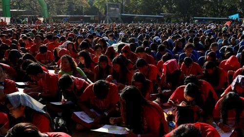 7.000 de elevi filipinezi încearcă să stabileasă un nou record