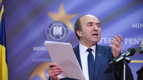 Ministrul Toader, acuzat că ar fi încălcat legea