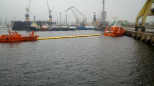 O nava de pescuit, sub pavilion turcesc, s-a scufundat în Portul Constanța