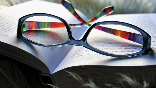 Picăturile care ar putea înlocui ochelarii, pe cale să devină realitate